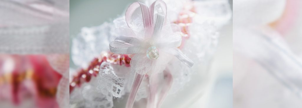 Custom bridal accessories by Jablonska